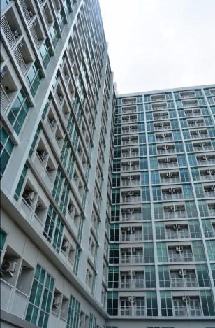 Apartemen 1 tower dengan 16 lantai dan 738 unit, telah berdiri di Jatinangor.