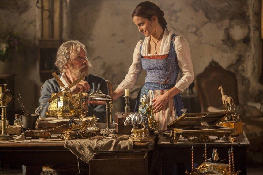 Belle dan ayahnya.