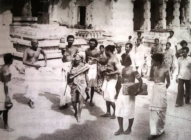 Periyava_Temple_with_Balu_Swamigal