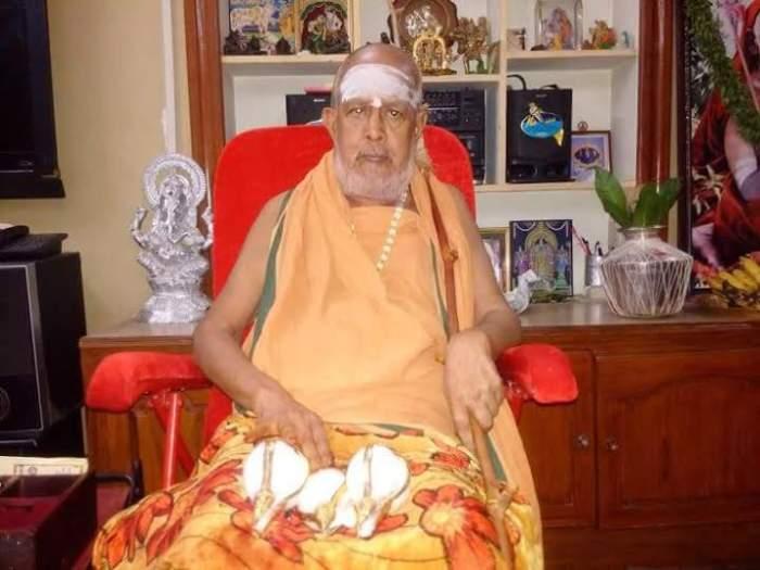 Pudhu Periyava Guruvayur-2