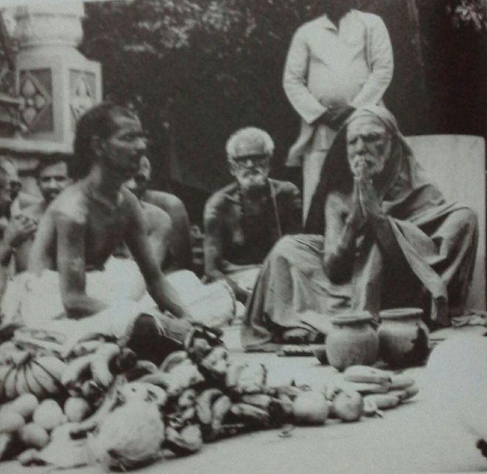 mahaperiyava-praying.jpg