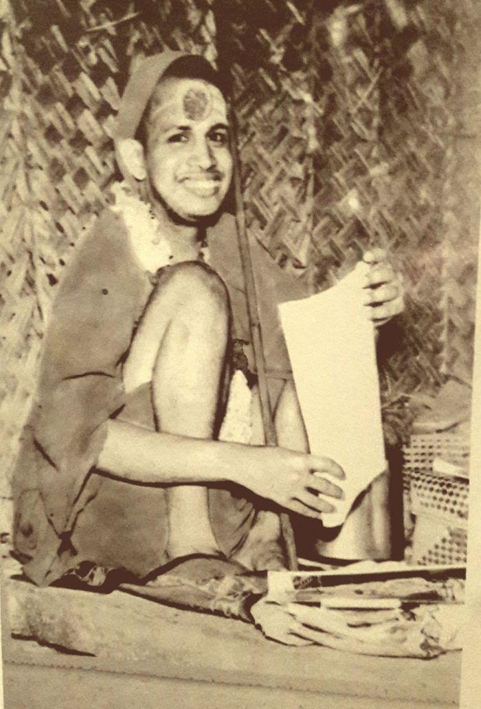 Pudhu-Periyava-young6