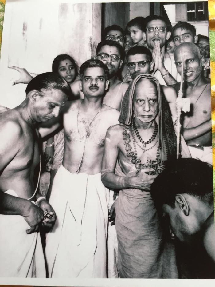 Mahaperiyava-sowcarpet-rare.jpeg