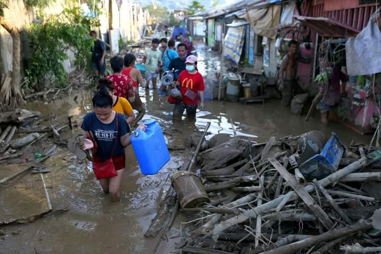 Montalban residents trek back  home
