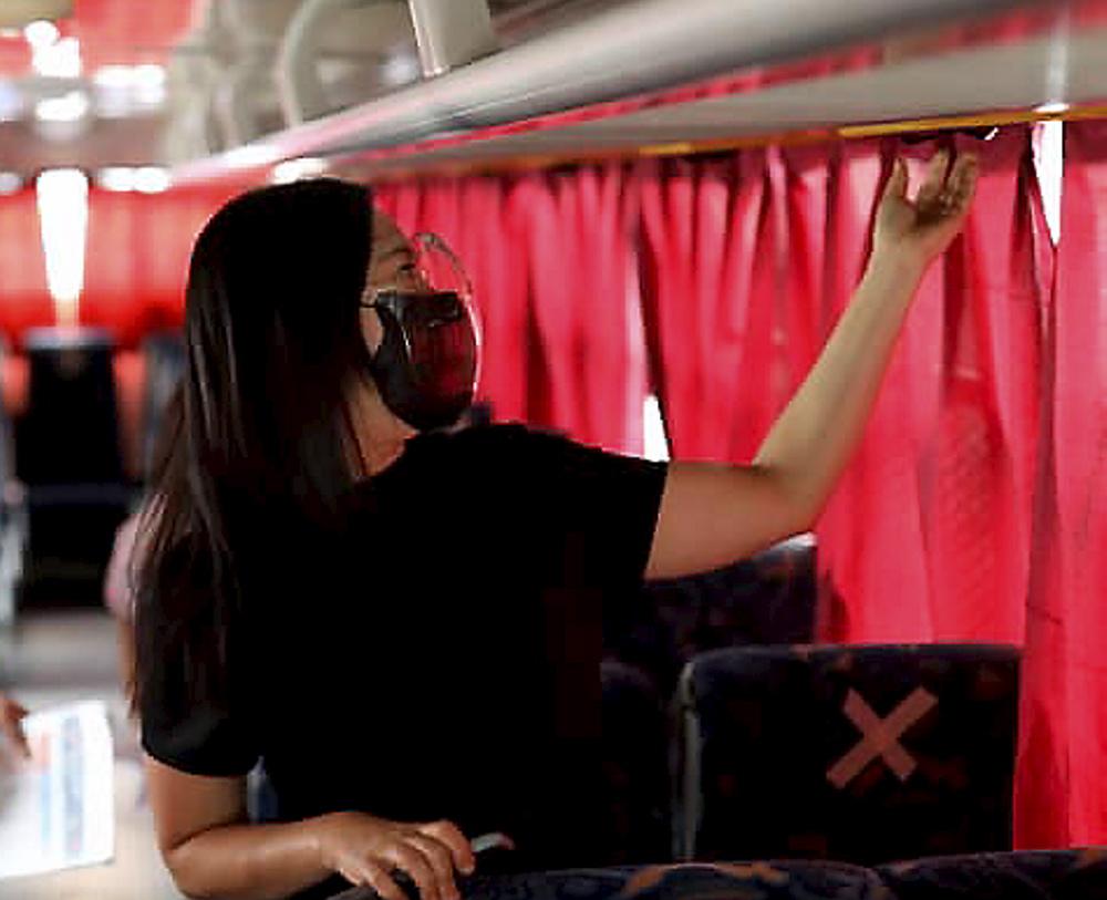 Mayor Joy Belmonte inspects buses in QC's 'Libreng Sakay' program