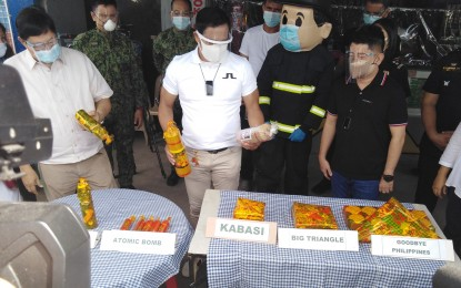 Guv inspects pyrotechnic stalls in Bulacan