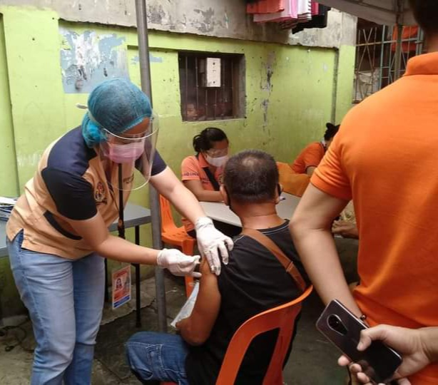 Caloocan City provides free anti-flu vaccines to senior citizens