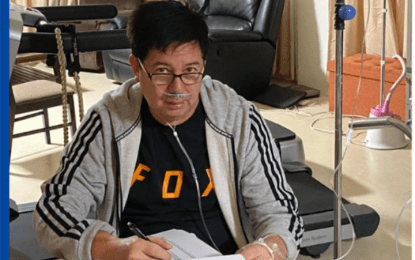 Tacloban City mayor continues work while in isolation