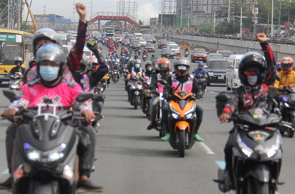 'Kagulo' members stage motorcade for human rights in QC