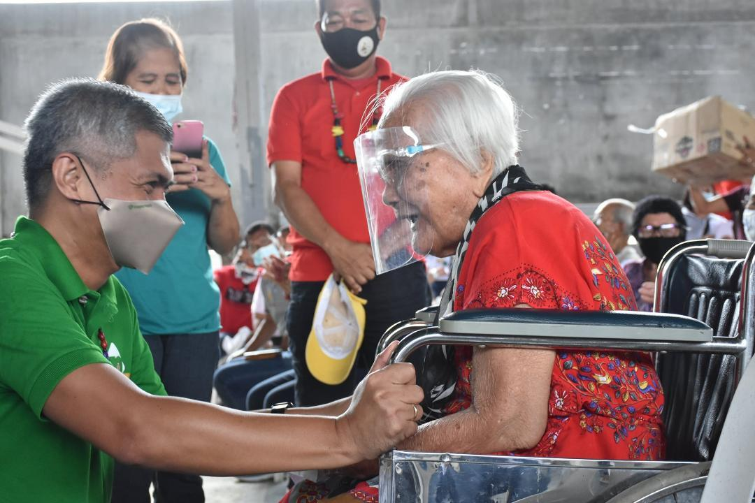 Oriental Mindoro gives recognition to centenarian