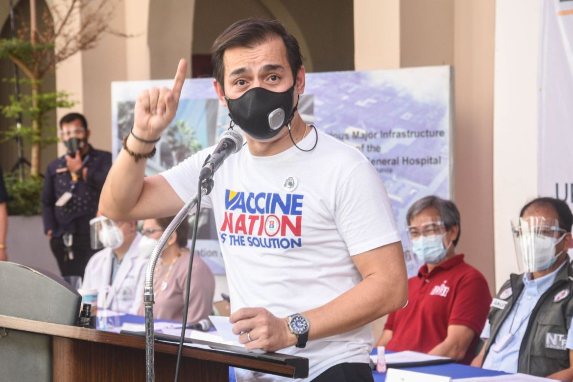 PH becoming 'a better country' amid COVID-19 vaccination at PGH says Mayor Isko