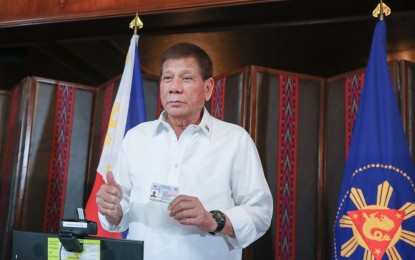 Give PhilSys a chance, Duterte urges Pinoys