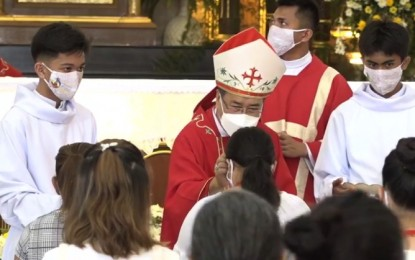 100 Cebu youths join confirmation rites as part of 'Triduum'