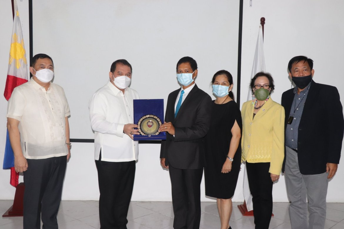 NBI inks MOA with IBP to protect members
