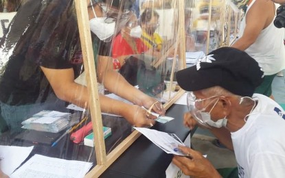 ECQ aid distribution ends as some LGUs return excess funds