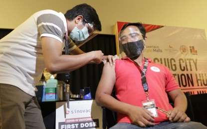 Persons with full vax in PH need certification to go abroad