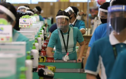 PH economy 'on the mend' as unemployment eases