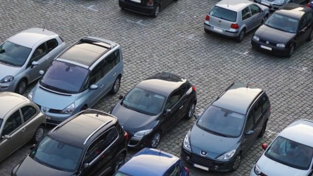 contoh iklan rental mobil