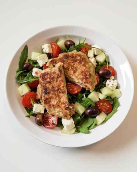 Salade à la grecque et galette au sarrasin - Recette Ma Healthy Tendency