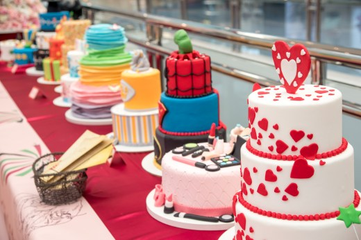 celebration-cakes-from-bloomsburys