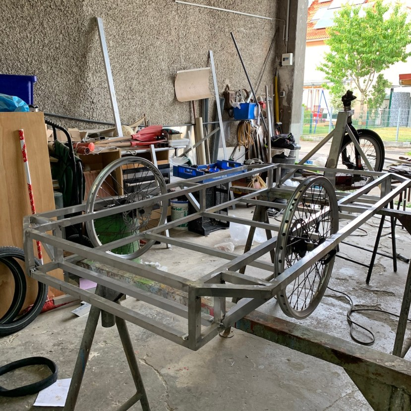 Die Räder sind angebaut