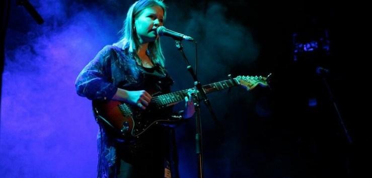 Alice Barlow - We Are Mahogany
