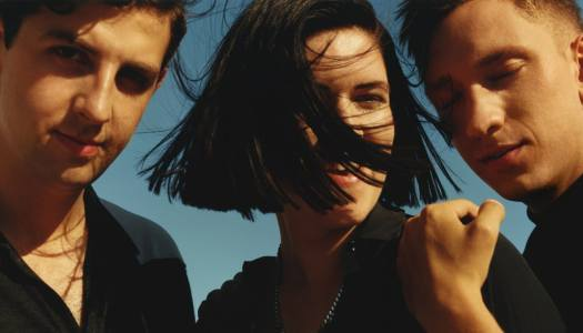 Watch the candid new acoustic video from The xx