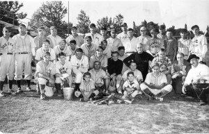 2001-90-952 Old Timers Game 1952 Roosevelt Park with identif