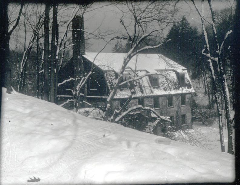 Vickers Pioneer Pavilion Winter_11x8.5_72ppi