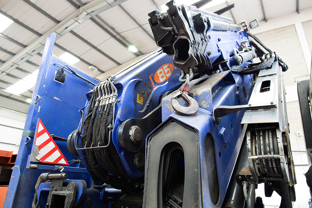 MAH Steel, steel fabricator, steel fabrication, steel delivery, crane hire, steel crane, south east, London, Kent, Essex, Gravesend