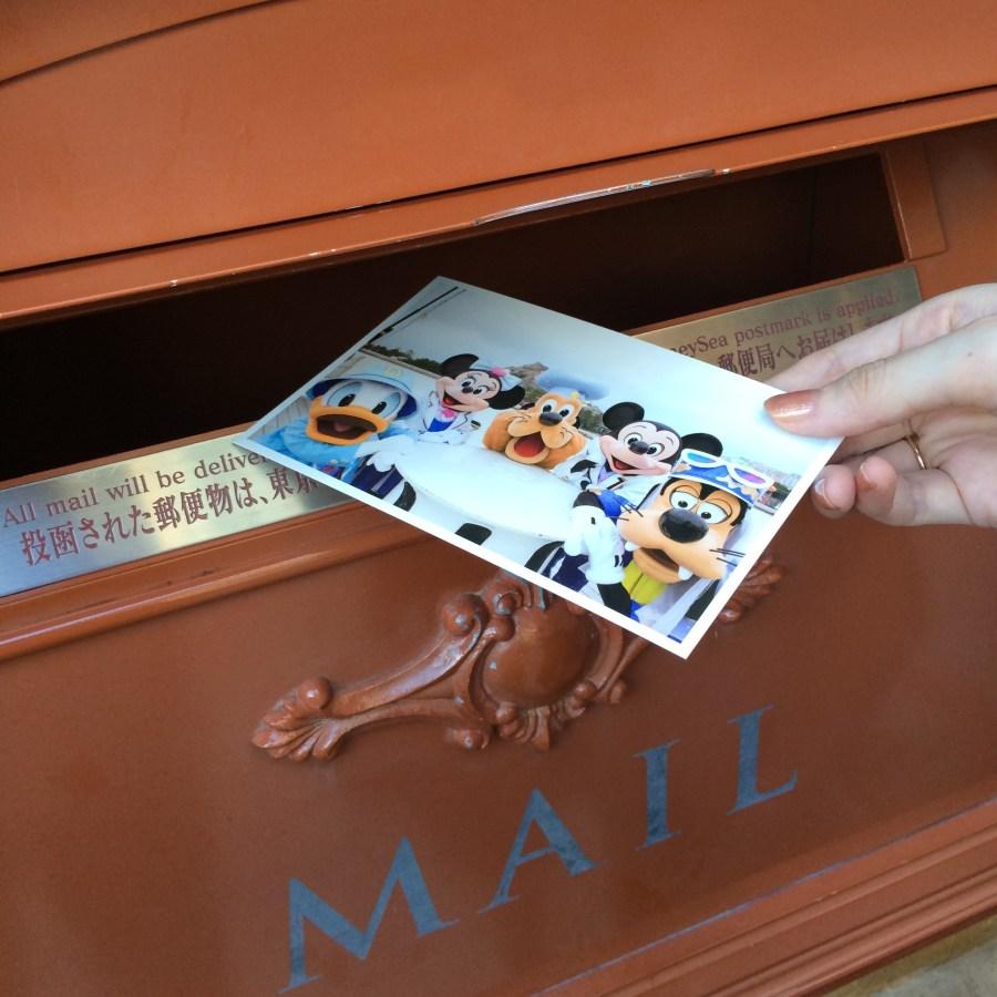 手紙も書ける!東京ディズニーシー内の文具店「イル・ポスティーノ・ステーショナリー」
