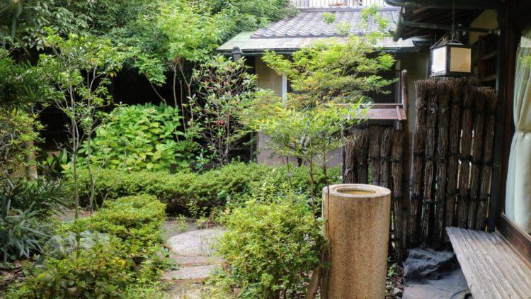 Calming tea garden of Maikoya