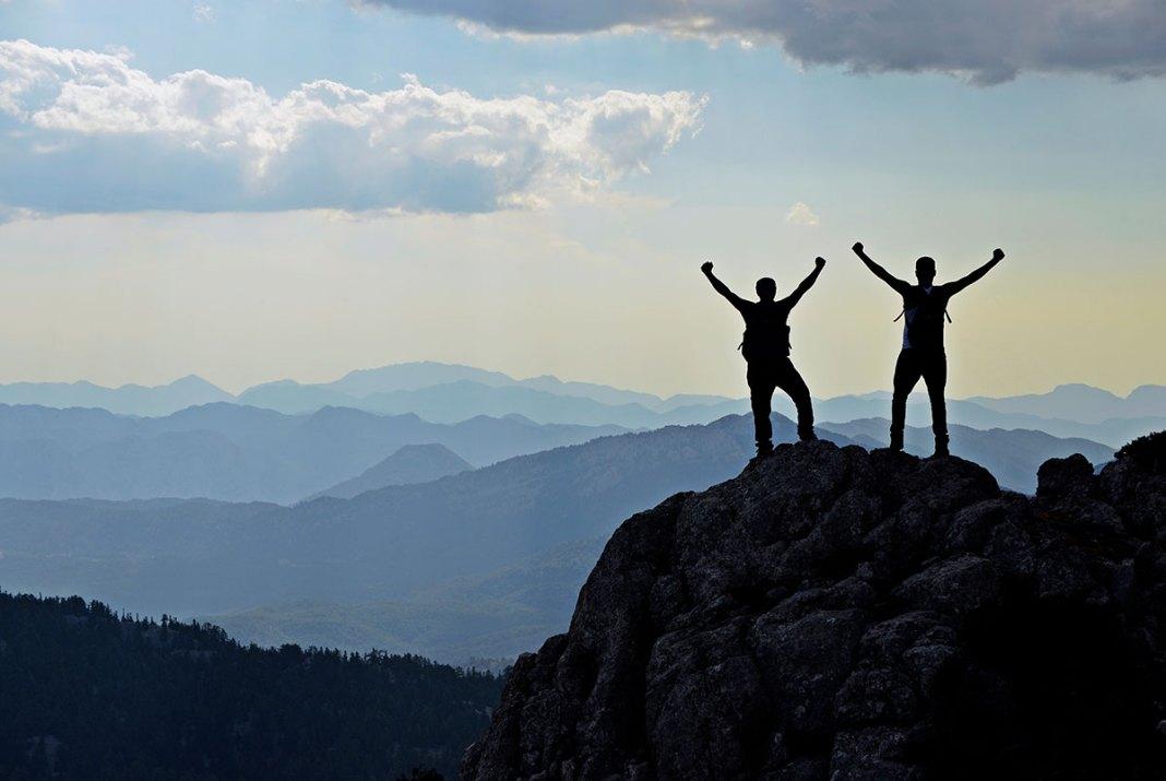 Cum păstrăm distanța socială pe munte?