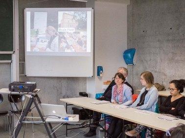 Prof. Brigitte Hartwig presenting her EM 2D class.