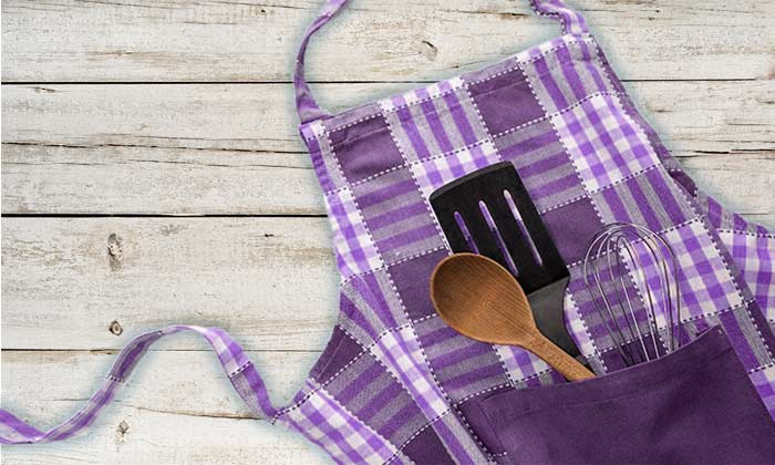 Dinner Time—How to Clean an Apron if its vintage