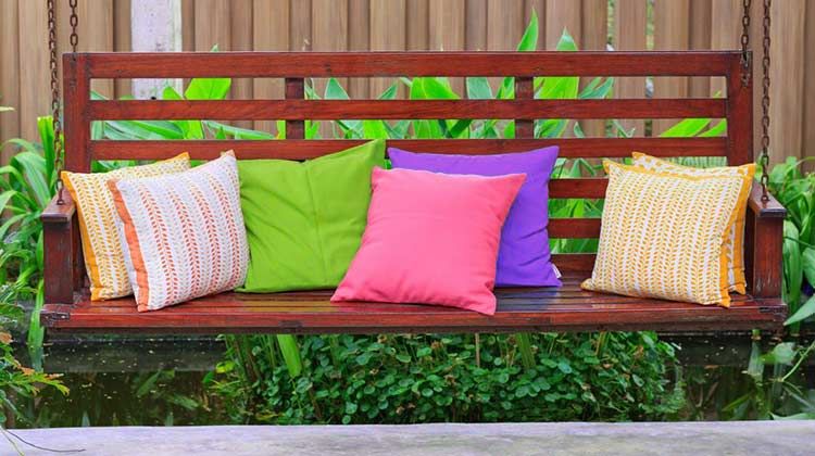 How to Clean Decorative Pillows at home