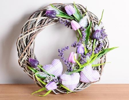 Quick & Easy Way to Clean Decorative Wreaths