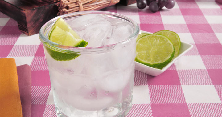 How to Clean With Club Soda around your home