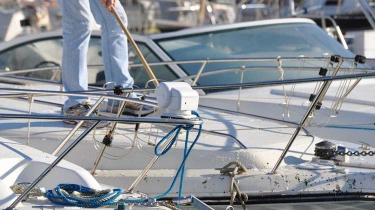 How to Clean a Boat and enjoy it in the water