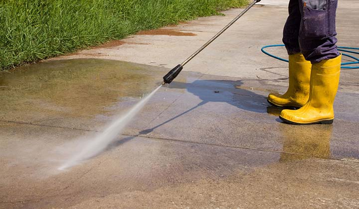 Scrub down problem areas and keep Driveways Clean