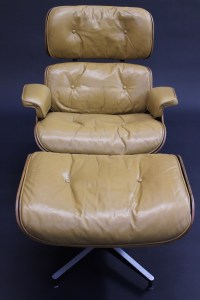 Old Eames Lounge & Ottoman photo