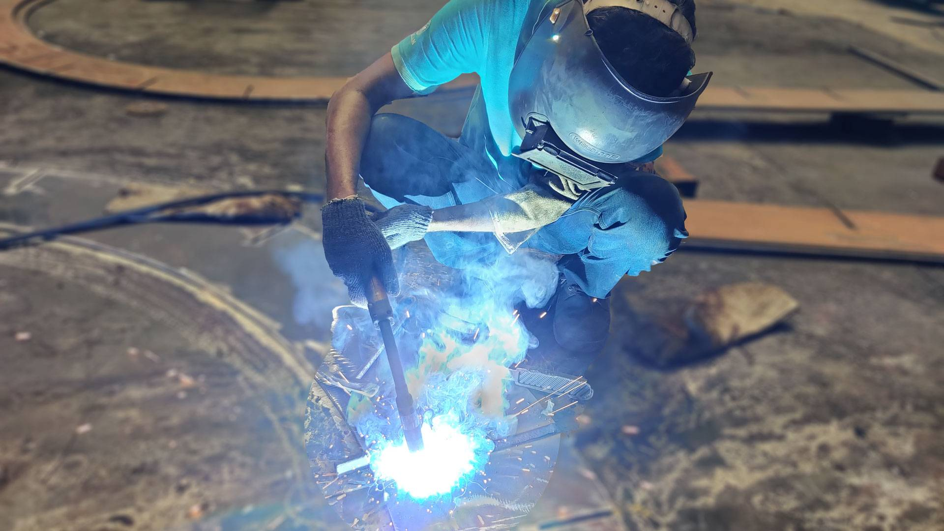 welder uses mig welding at mailam upking engineering limited