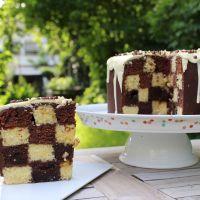 Schachbrett Muster im Kuchen