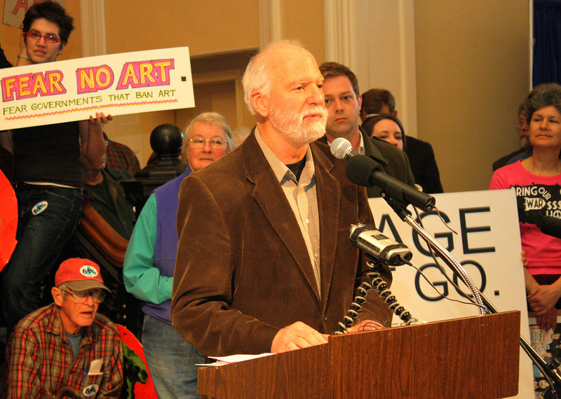 Labor history mural rally, Augusta State House 2011, Robert Shetterly speaking photos by Roger Leisner, Maine Paparazzi