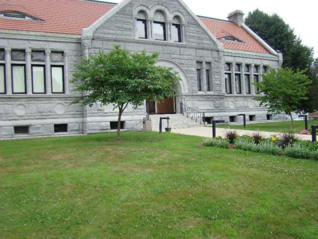 Augusta's Lithgow Public Library, pre-renovation.