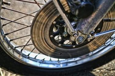 バイクのブレーキから異音や鳴きがする!対処法や原因を紹介!