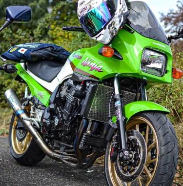 カワサキ初代ニンジャGPZ900Rのカスタムバイク紹介!中古相場やインプレッションなど。