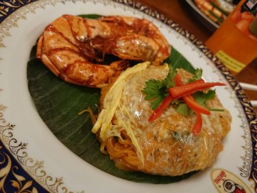タイ旅行バンコク有名店のティップサマイで実食レポート!日本人の口にも合うパッタイを食す!