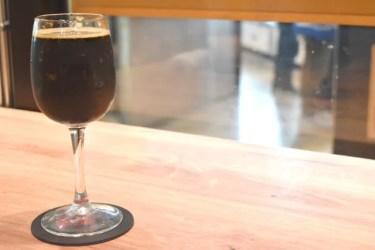 深いコクが楽しめるコーヒービールの作り方!マッチするおつまみも紹介!