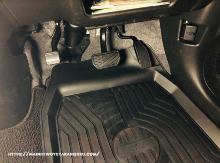 新型ハスラー(MR52S)にピッタリはまったフロアマット。車中泊するなら必要だよね